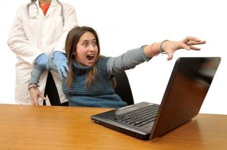 Dipendenza da internet e dai social: quando il web non è più una distrazione